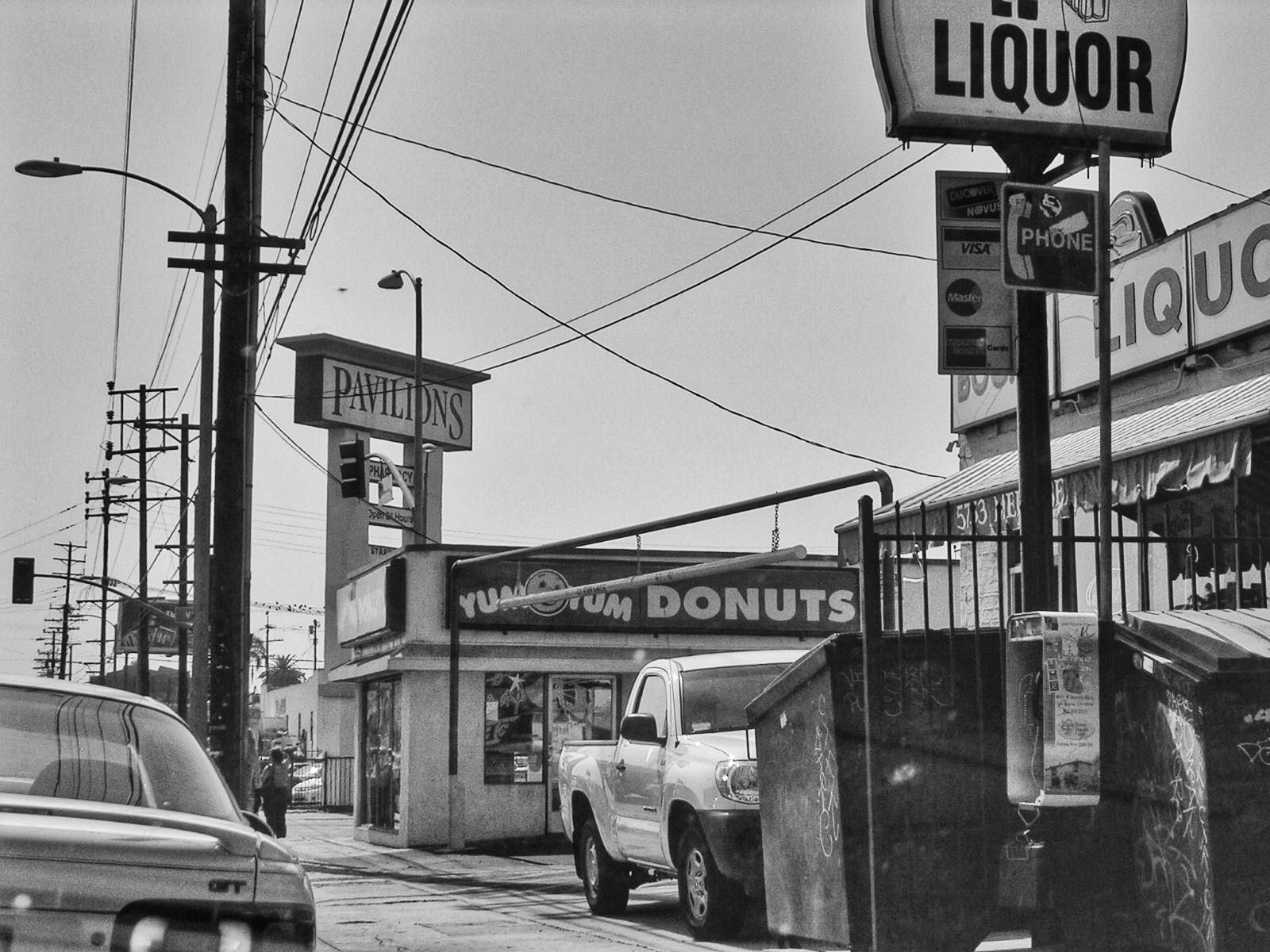 Melrose Avenue, Los Angeles.