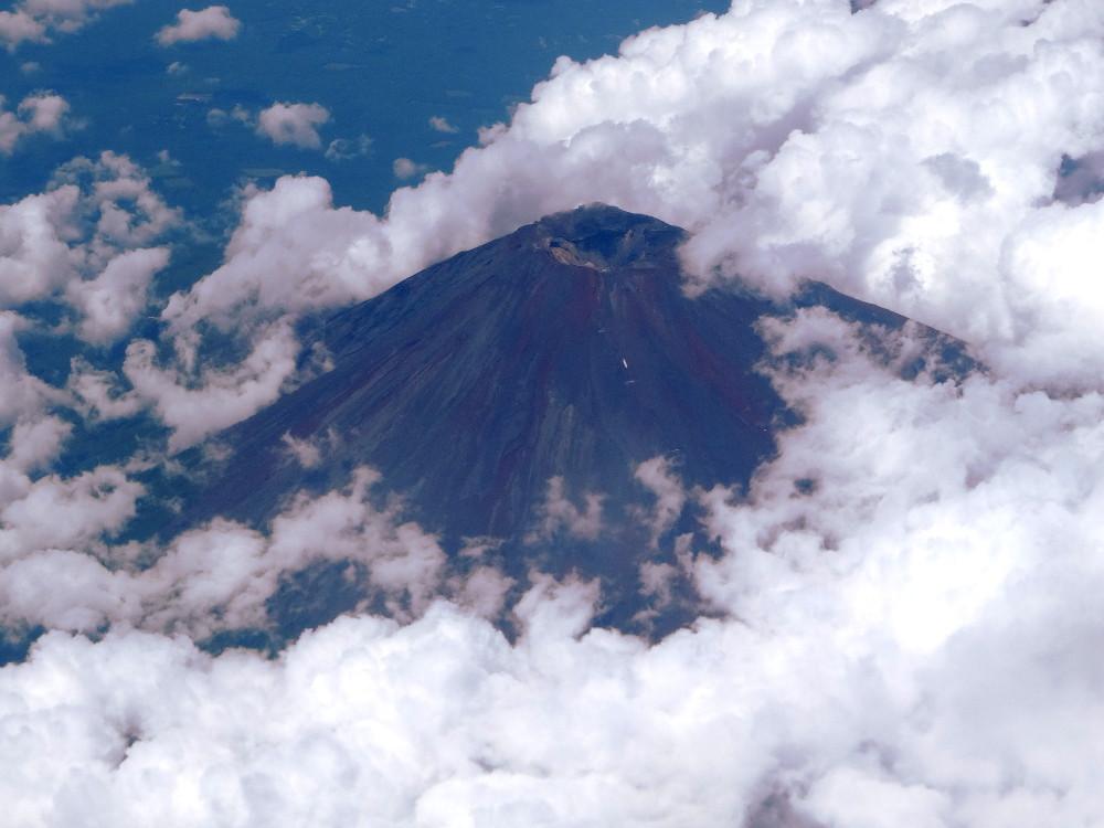Cratère du Mont Fuji visible depuis l'avion - photo Julien Rémignon
