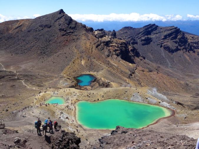 Tongariro Alpine Crossing : vue sur Emerald Lakes