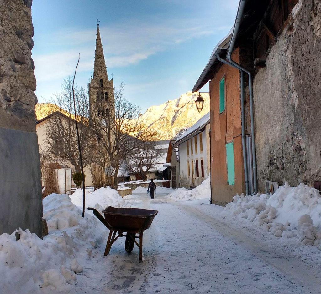Névache, village sous la neige